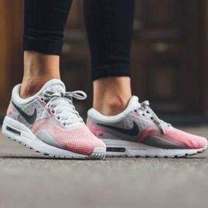 🆕Women's/Girls Nike Air Max Zero SE -Size 7y/8.5w